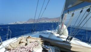 mykonos-tramonto-in-barca-a-vela