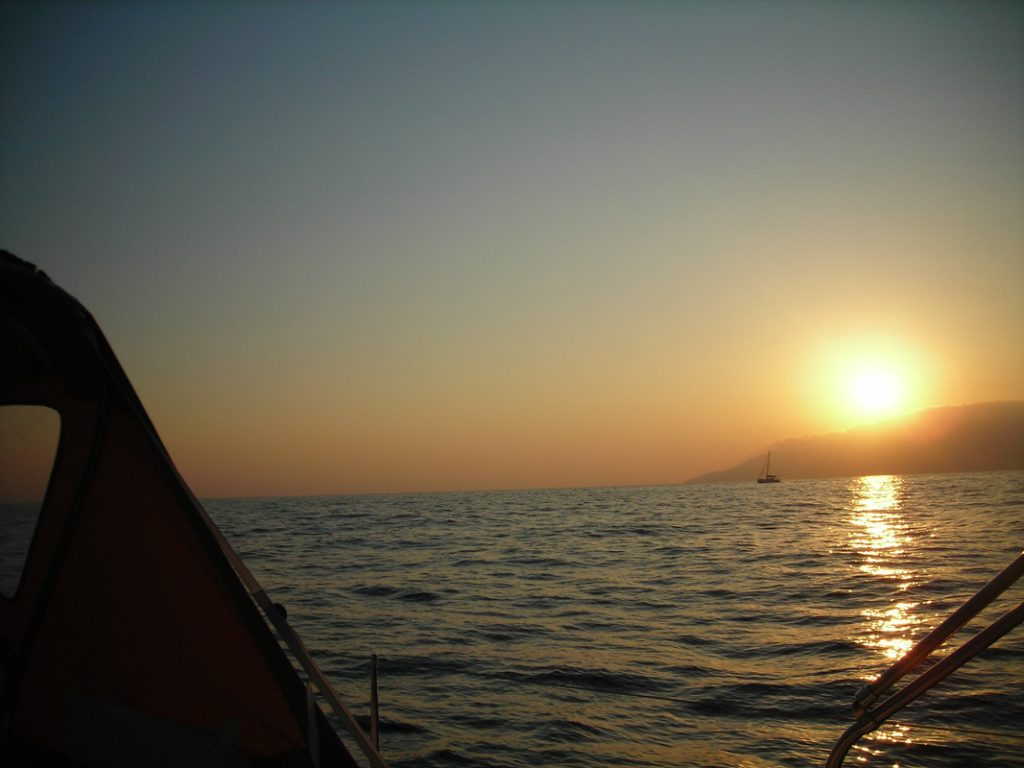Mykonos: Sunset Cruise Program – 2,5hrs